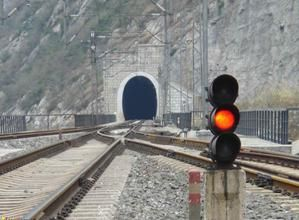 初中生能学铁道信号专业吗